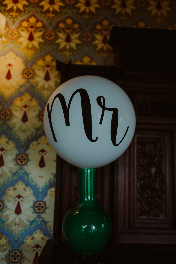Mr Balloon Modern Calligraphy 1920s Speakeasy Country House Glamour Wedding https://www.bearscollective.com/