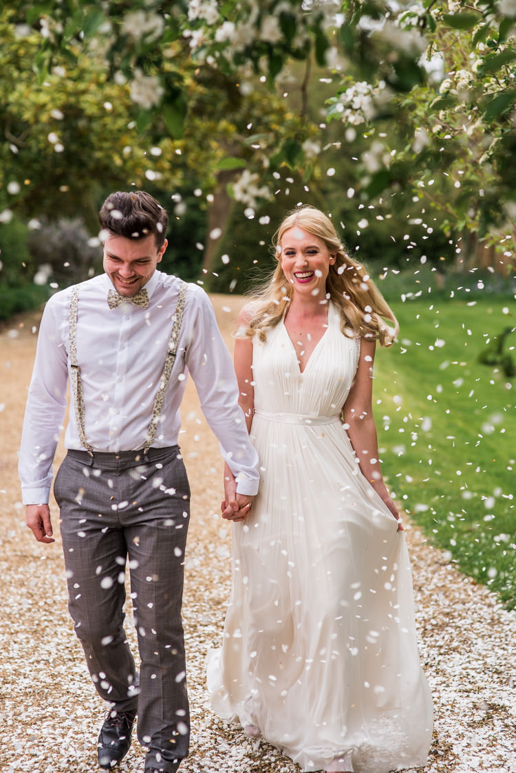 Confetti Throw Bride Groom First Look Wedding Ideas Country Estate Garden http://annamorganphotography.co.uk/