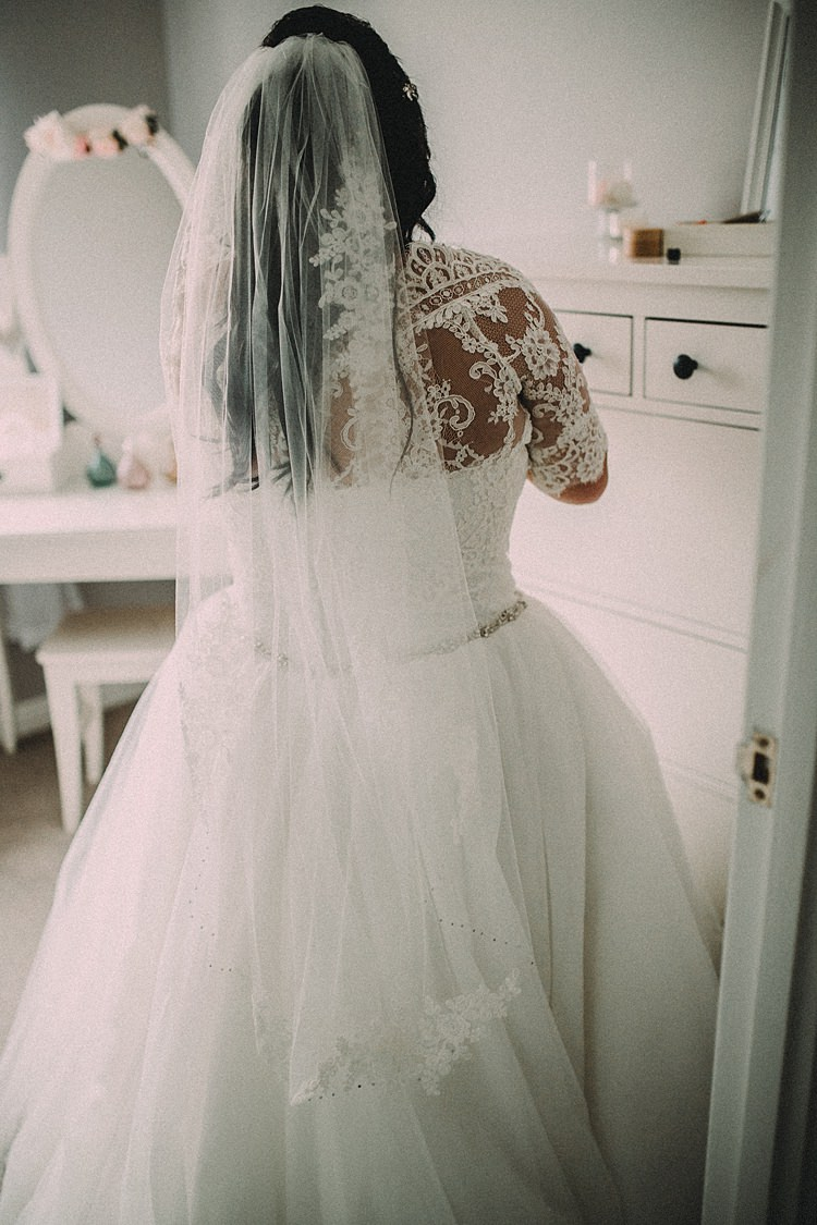 Lace Tulle Dress Bride Bridal Gown Veil Woodland Lavender Spring Country Wedding http://www.carlablainphotography.co.uk/
