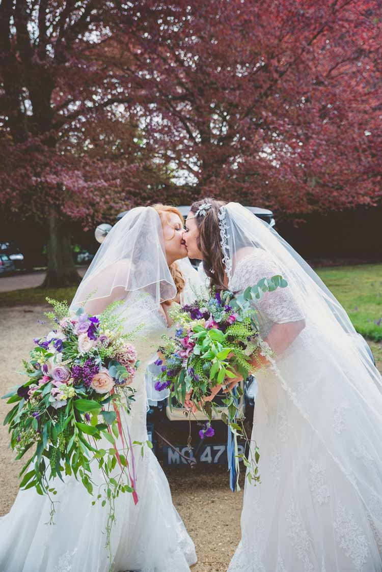 Brides Bridal A Line Veil Sweetheart Bouquet Trailing sleeves Champagne Lace Hairpiece Kiss Eclectic Floral Fun Wedding http://www.photographybypaloma.co.uk/