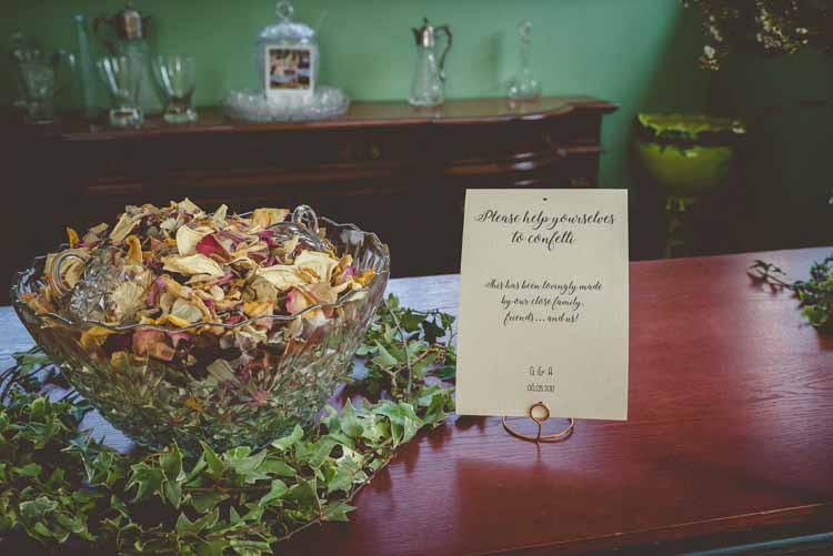Real Dried Petal Flower Confetti Punch Bowl Sign Calligraphy Ivy Eclectic Floral Fun Wedding http://www.photographybypaloma.co.uk/
