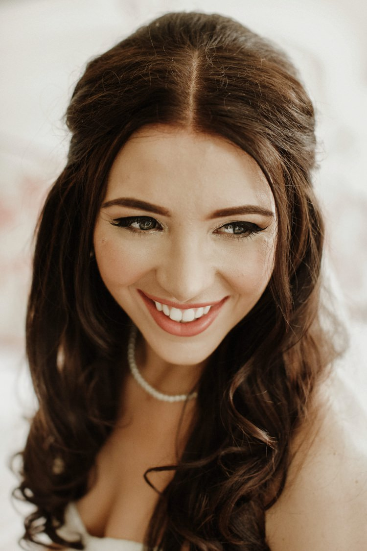 Bride Bridal Make Up Beauty Nostalgic Playful Greenery Floral Garden Wedding http://jesspetrie.com/