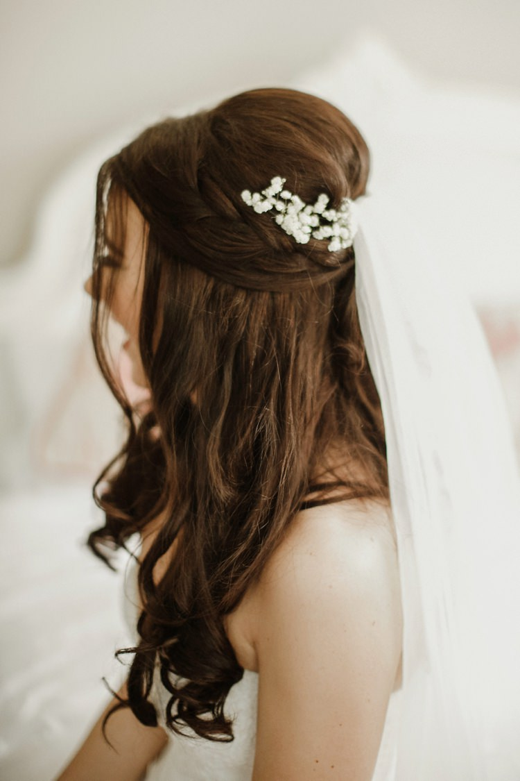 Hair Bride Bridal Style Half Up Down Do Veil Accessory Nostalgic Playful Greenery Floral Garden Wedding http://jesspetrie.com/