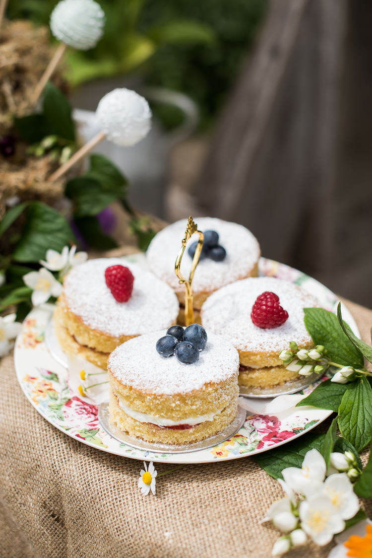 Vintage China Tea Set Cake Stand Victoria Sponge Pop Pretty Urban Nature Wedding Ideas http://www.fionasweddingphotography.co.uk/