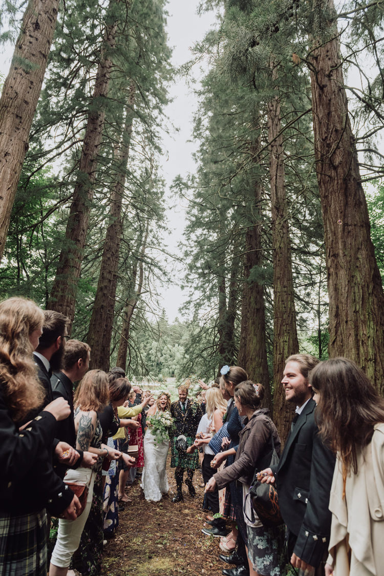 Confetti Throw Enchanting Ancient Forest Wedding http://donnamurrayphotography.com/