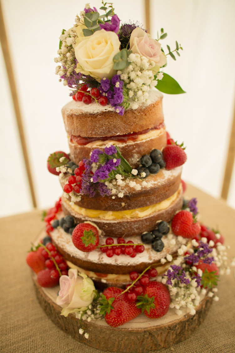 Naked Cake Floral Flowers Rose Gypsophila Berries Quirky Rustic Farm Wedding https://ragdollphotography.co.uk/