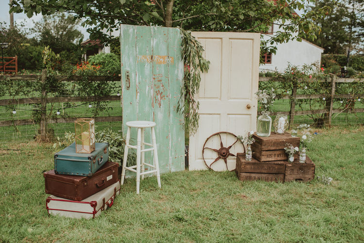 Vintage Doors Crates Suitcases Decor Rustic Greenery White Apple Orchard Wedding http://bigbouquet.co.uk/