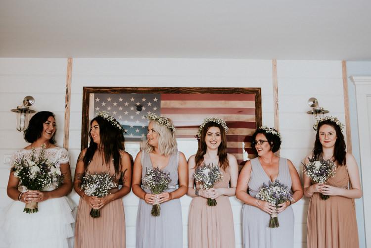 Bridesmaids Flower Crowns Bouquets Unique Personal Natural Wedding Style https://photo.shuttergoclick.com/