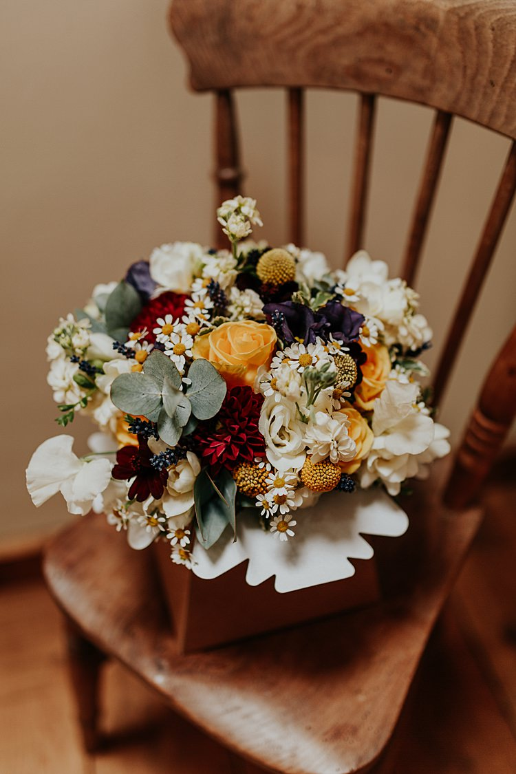 Bouquet Flowers Yellow Roses Billy Ball Daisy Bride Bridal Beautiful Simple Relaxed Barn Wedding http://jenmarino.com/