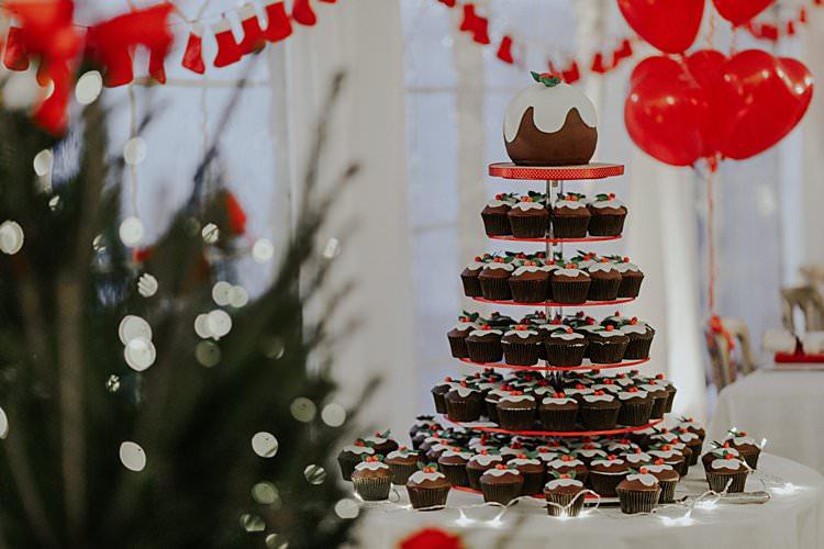 Pudding Cake Traditional Christmas Wedding Red Festive https://lolarosephotography.com/