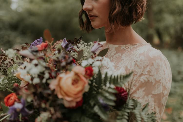 Bouquet Flowers Bride Bridal Wild Natural Rose Greenery Autumn Hygge Wedding Ideas http://meganelle.co.uk/