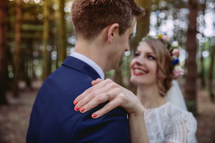Rose Gold Rings Bride Bridal Manicure Nails Gorgeous Gold Navy Wow Factor Wedding http://hayleybaxterphotography.com/
