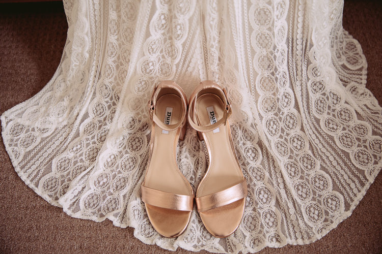 Rose Gold Shoes Bride Bridal Gorgeous Gold Navy Wow Factor Wedding http://hayleybaxterphotography.com/