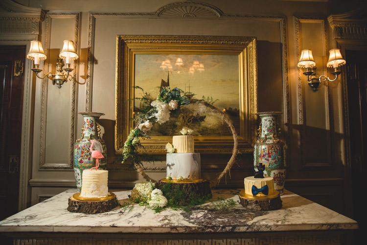 Cake Table Wood Slice Moss Groom Cake Gold Sequins Marble Greenery Vintage Glamour Wedding https://www.tobiahtayo.com/