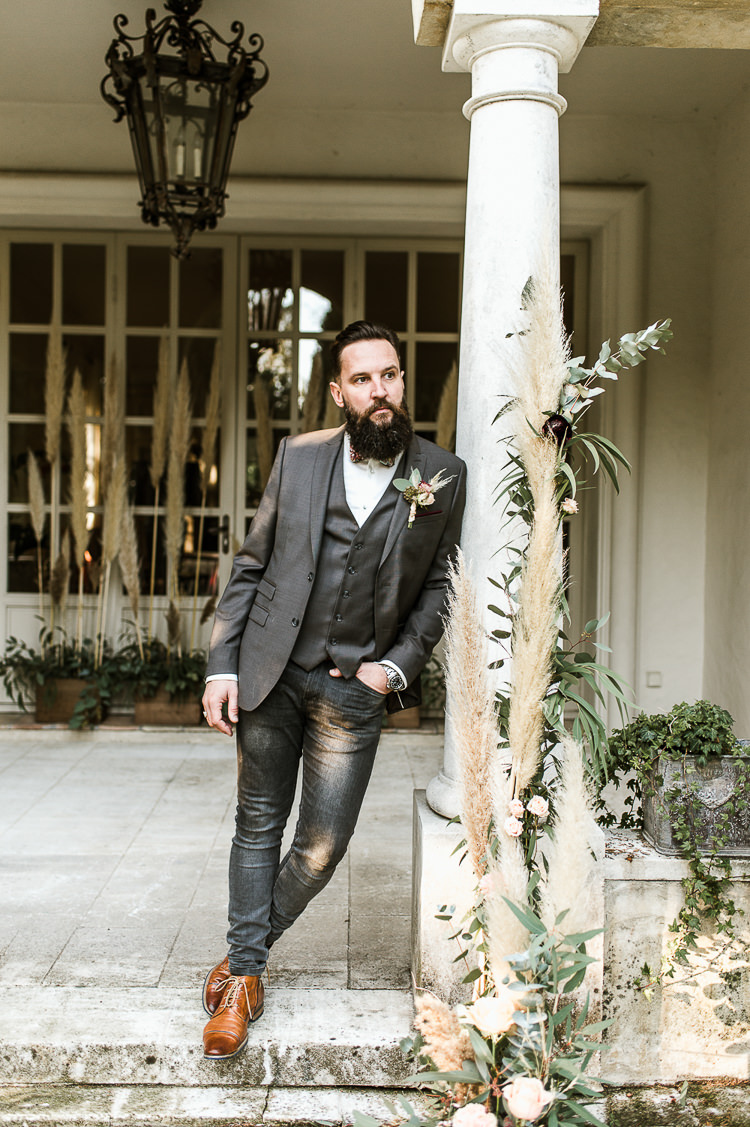 Groom Suit Grey Bow Tie Beard Trendy Beautiful French Elopement Wedding Ideas http://oliviamarocco.com/