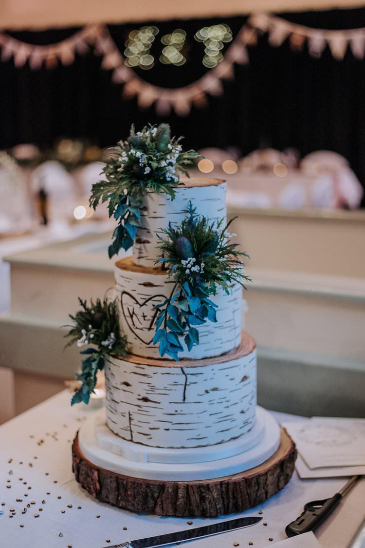 Tree Stump Bark Cake Log Heart Twinkly Rustic Winter Wonderland Wedding https://www.kazooieloki.co.uk/