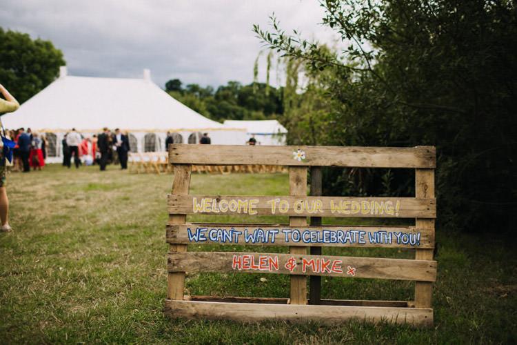 Wooden Pallet Sign Rustic Painted Joyful Homespun Humanist Farm Camping Wedding https://aniaames.co.uk/