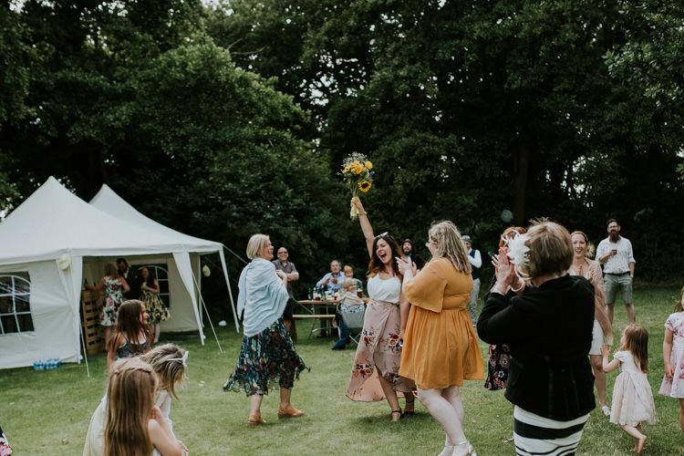 Field Garden Woodland Meadow Hippie Summer Bride Groom Hush Venue Bouquet Toss | Happy Outdoor Forest Mustard Yellow Wedding http://suzi-photography.com/