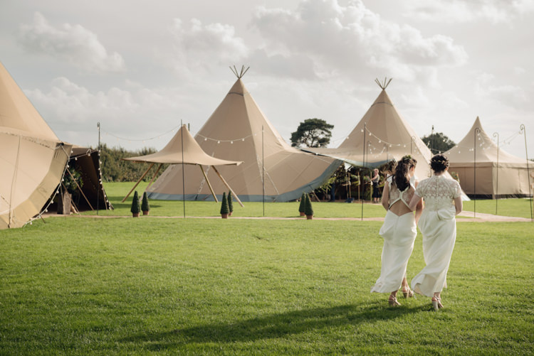 Pretty Blush Floral Tipi Wedding Ideas https://www.sarahvivienne.co.uk/