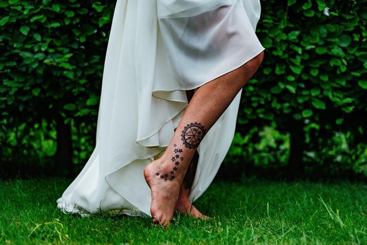 Boho DIY Secret Garden Wedding https://bibandtuckerphotography.co.uk/