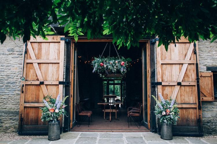 The Tythe Barn Wedding Venue Oxfordshire UK https://caseyavenue.co.uk/