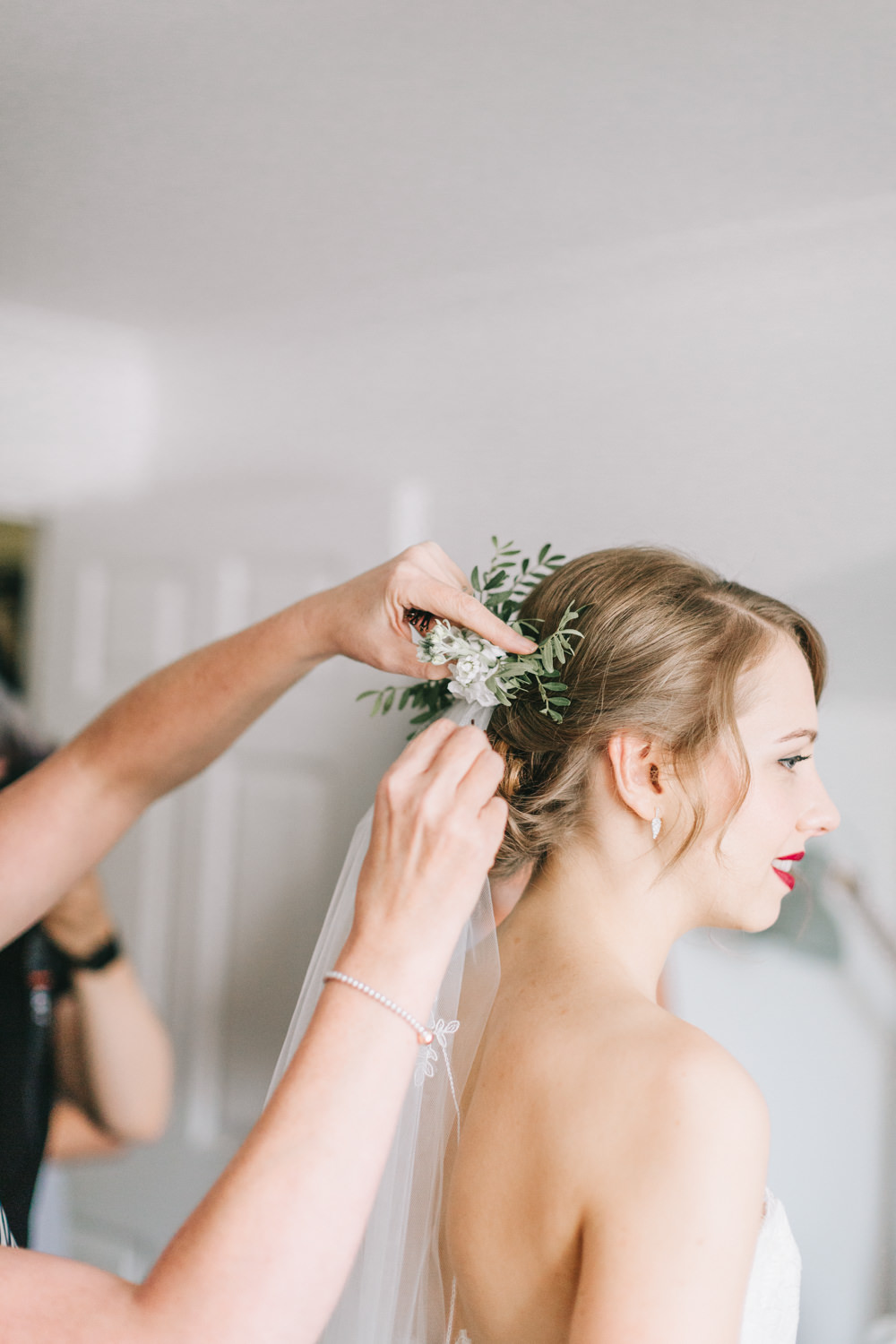 Flowers Hair Bride Bridal Veil Style Up Do Healey Barn Wedding Amy Lou Photography