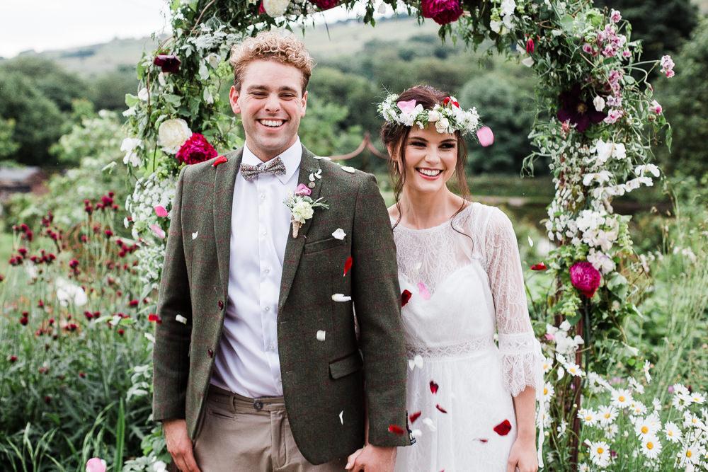 Confetti Throw Colourful Bohemian Floral Wedding Ideas Anna Beth Photography