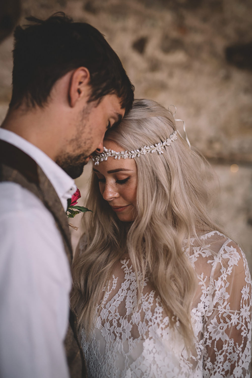 Bride Bridal Accessory Hair Headdress Forehead Bohemian Long Hair Waves Style Free Spirited Wedding Ideas Woodland Lumiere Photographic