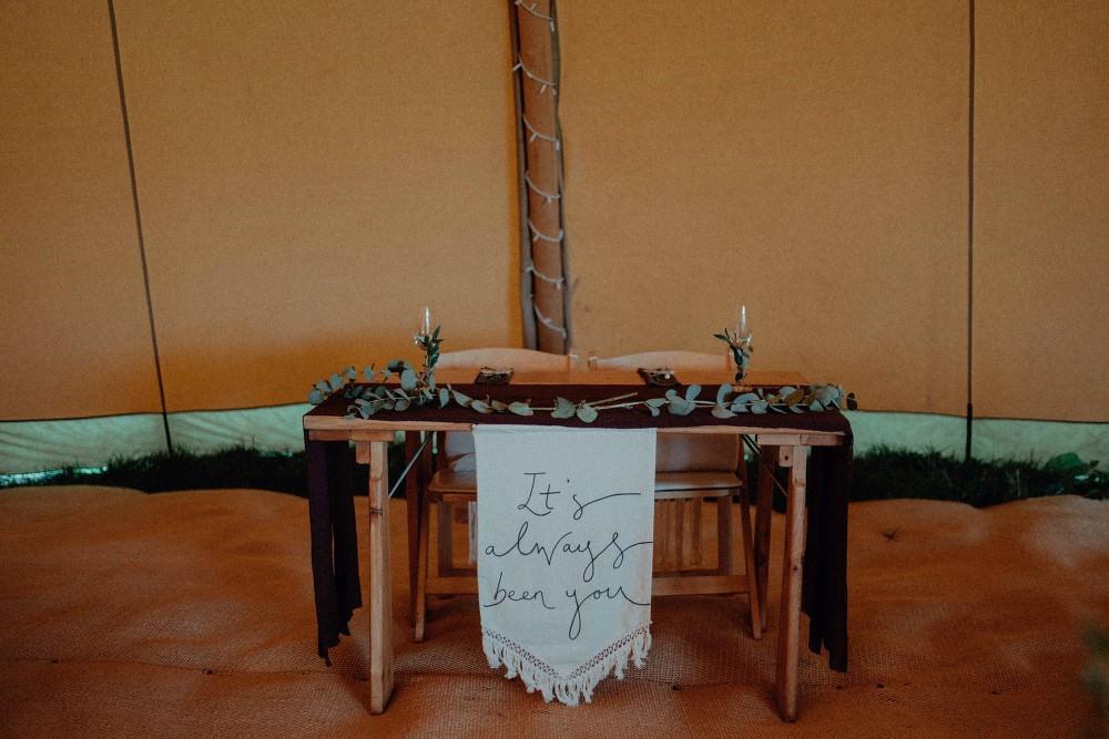 Top Sweetheart Table Greenery Silk Runner Tassel Banner Autumn Dark Red Wedding Belle Art Photography
