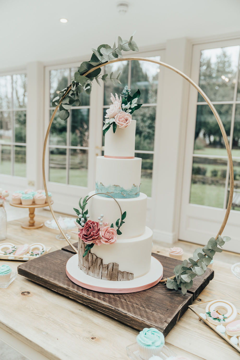 Cake Wreath Floral Flowers Wood Brush Stokes Backdrop Table Hoop Wedding Ideas Rebecca Carpenter Photograph