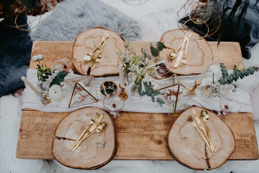 Tablescape Table Decor Log Slice Gold Cutlery Terrariums Greenery Foliage Outdoor Woodland Wedding Ideas Geometric Meraki Wedding Photography