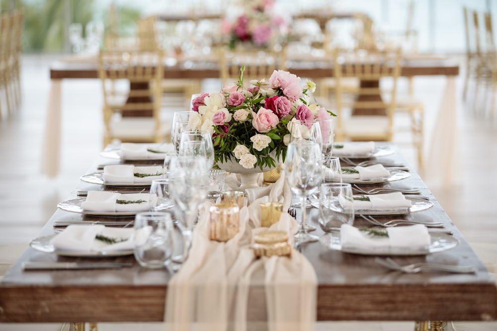 Table Tablescape Decor Silk Runner Flowers Gold Los Cabos Wedding Anna Gomes Photo