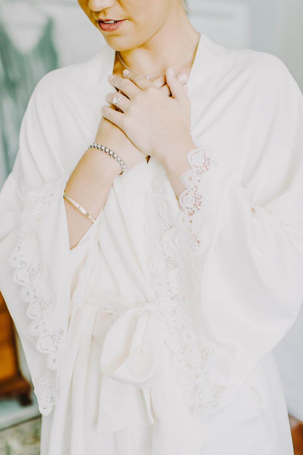 Dressing Gown Robe Bride Bridal Maryland Wedding L. Hewitt Photography