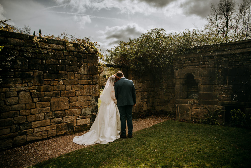 East Riddlesden Hall Wedding M and G Photographic