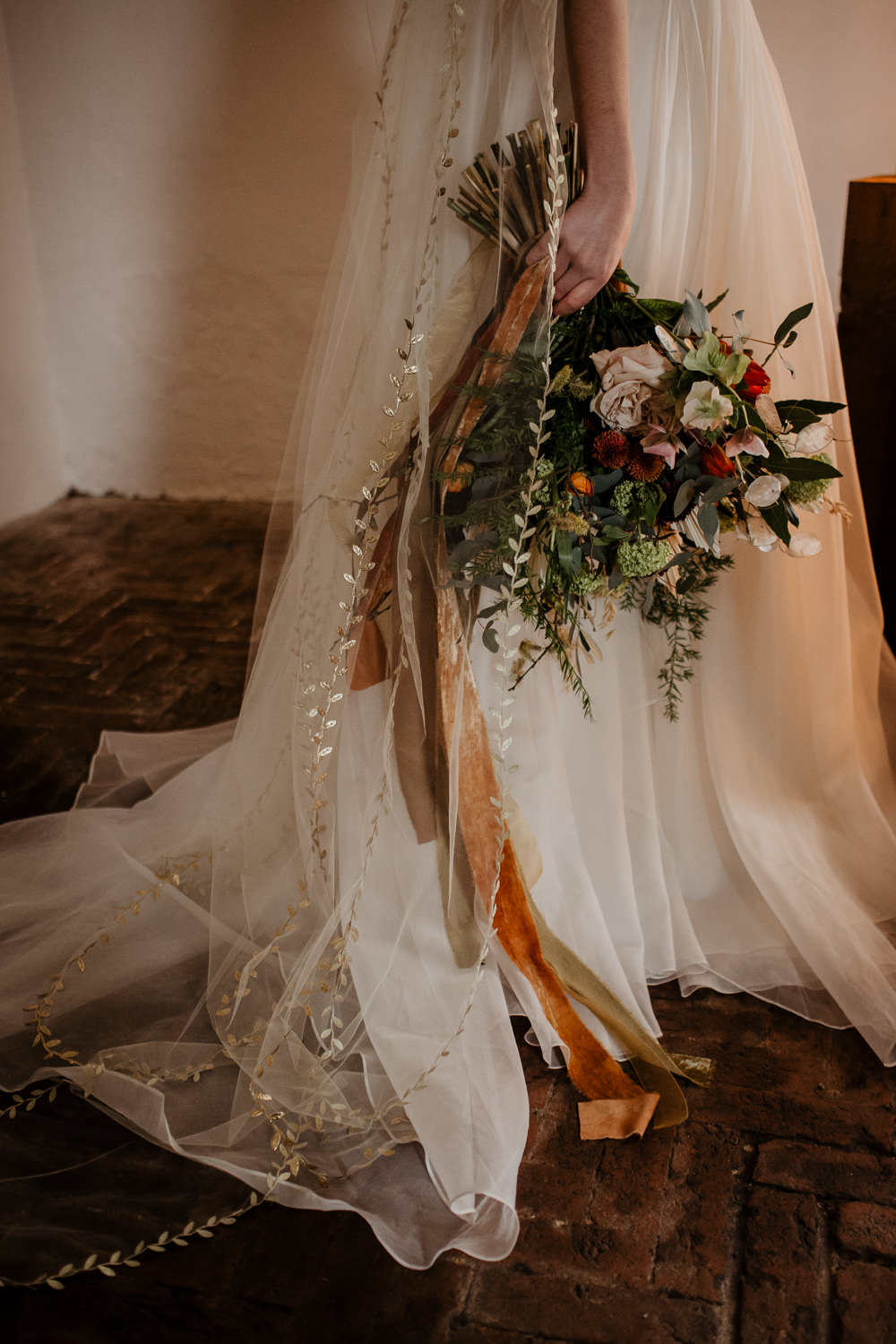 Bouquet Flowers Bride Bridal Ribbons Orange Rose Dried Flowers Seed Heads Large Oversized Autumn Fall Elopement Wedding Ideas Oilvejoy Photography