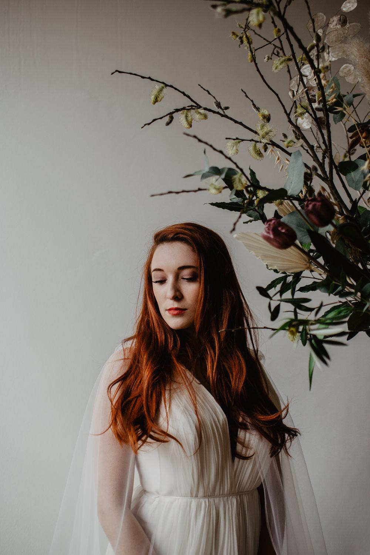 Bride Bridal Make Up Long Hair Waves Curls Elopement Wedding Ideas Oilvejoy Photography