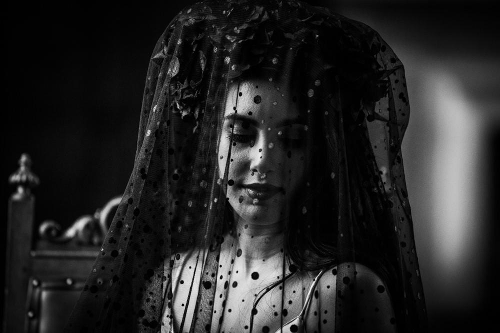 Bride Bridal Veil Black Polka Dot Dotty Dutch Art Wedding Ideas Berni Palumbo Photography