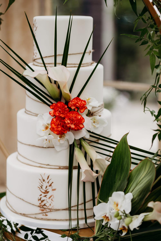 Cake Leaves Twine Pineapples Tropical Wedding Ideas When Charlie Met Hannah