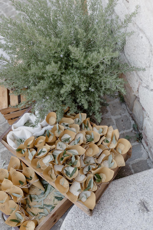 Confetti Cones Natural Italy Villa Wedding Flavia Eleonora Tullio