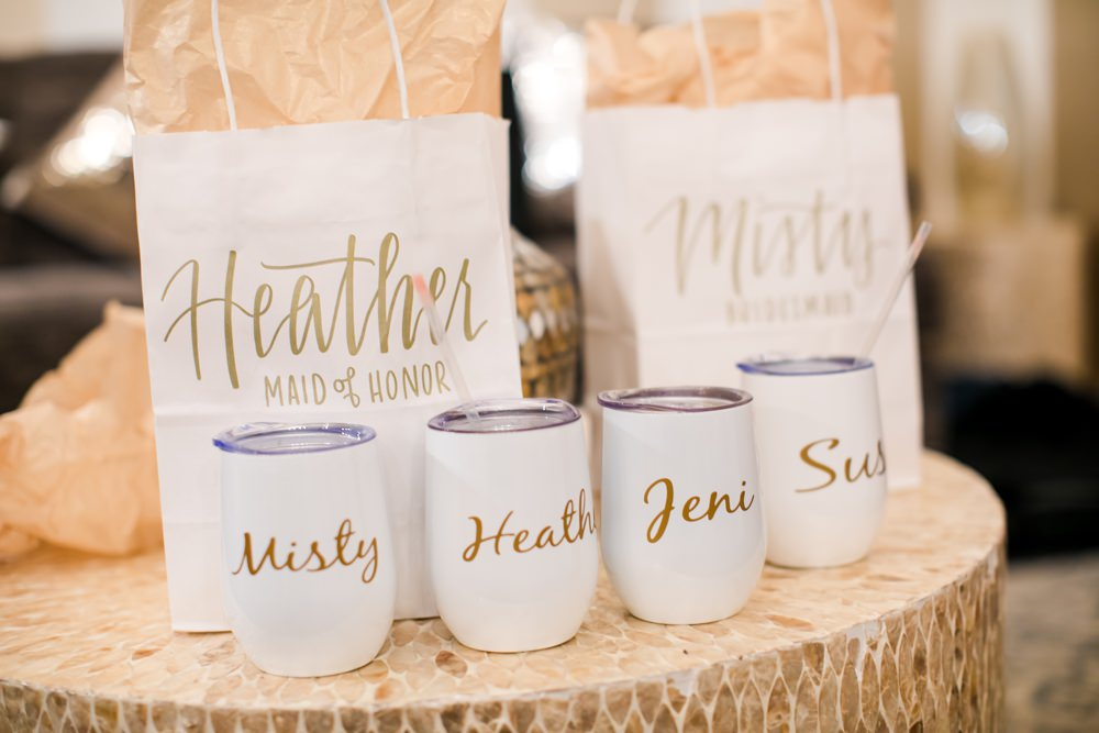 Bridesmaids Bridesmaid Gift Gifts Presents Floral Minneapolis Wedding Jeannine Marie Photography