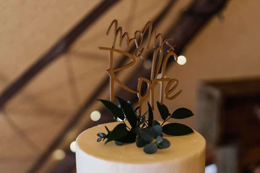 Buttercream Cake Greenery Foliage Barrel Topper Lodge Farm Wedding David Boynton Wedding Photography