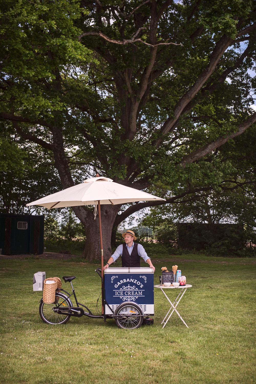 Ice Cream Cart Sopley Lake Wedding One Thousand Words