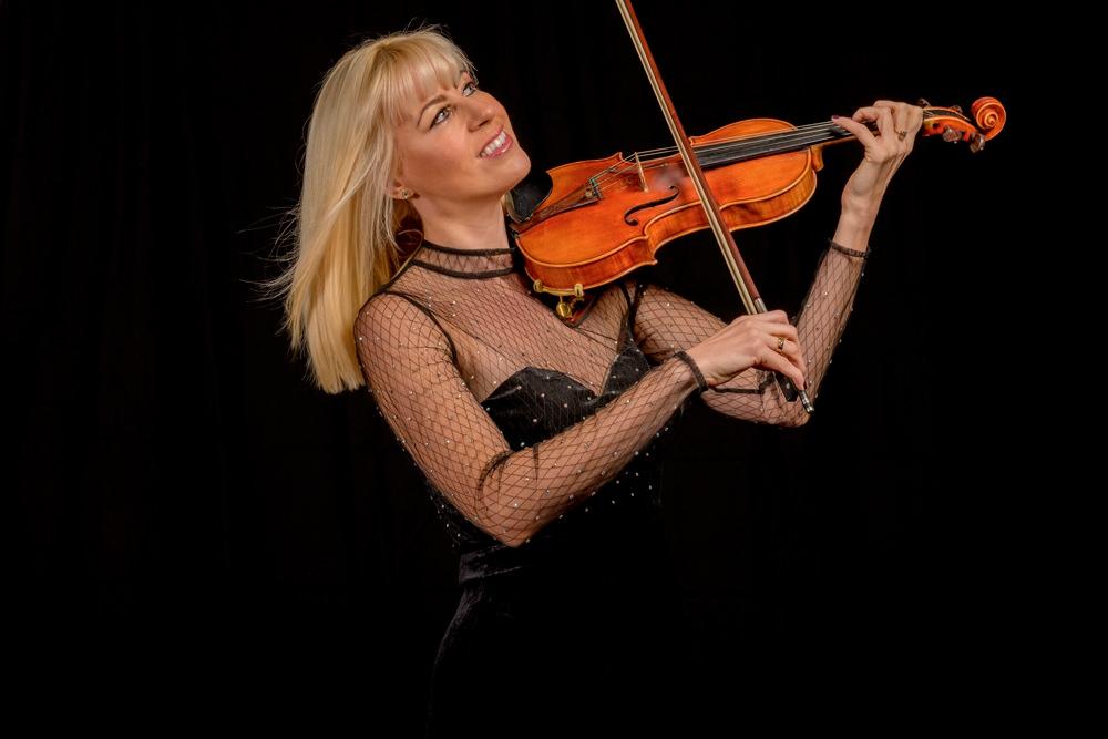 Hayley Pomfrett Wedding Violinist Entertainment Directory