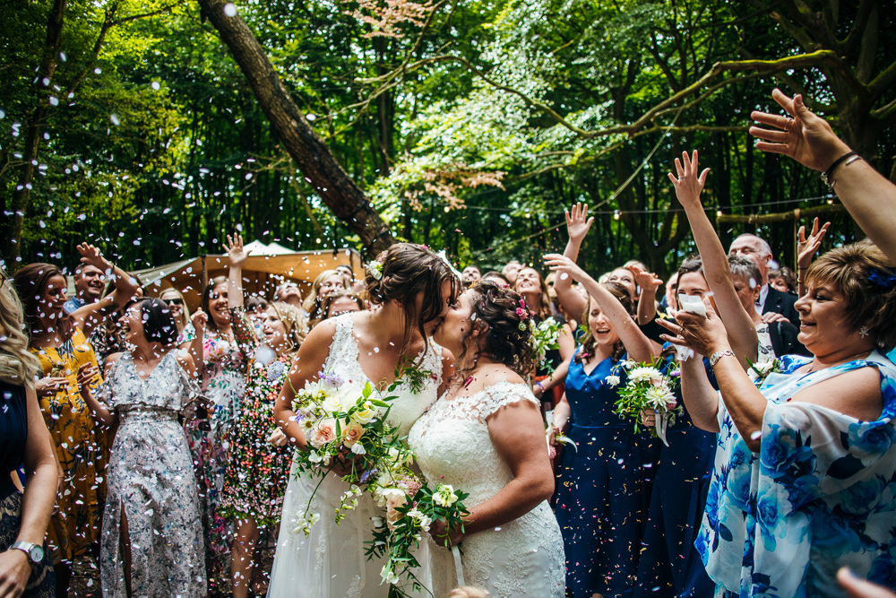 Confetti Throw Lila's Wood Wedding Two-D Photography