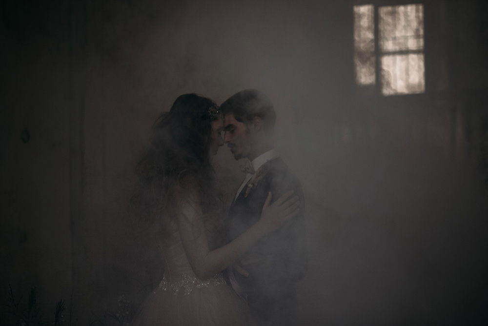 Smoke Bomb Italy Elopement Ideas Gradisca Portento Fotografica