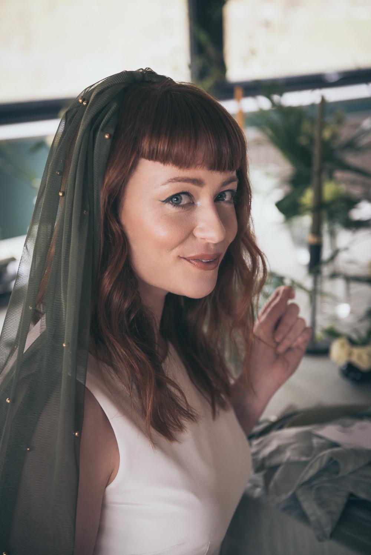 Bride Bridal Veil Green Modern Wedding Ideas Cat Arwel Photography