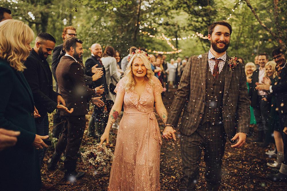 Confetti Throw Treehouse Wedding Honeydew Moments