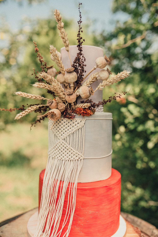 Boho Wedding Ideas Roshni Photography Macrame Cake Fried Flowers Orange