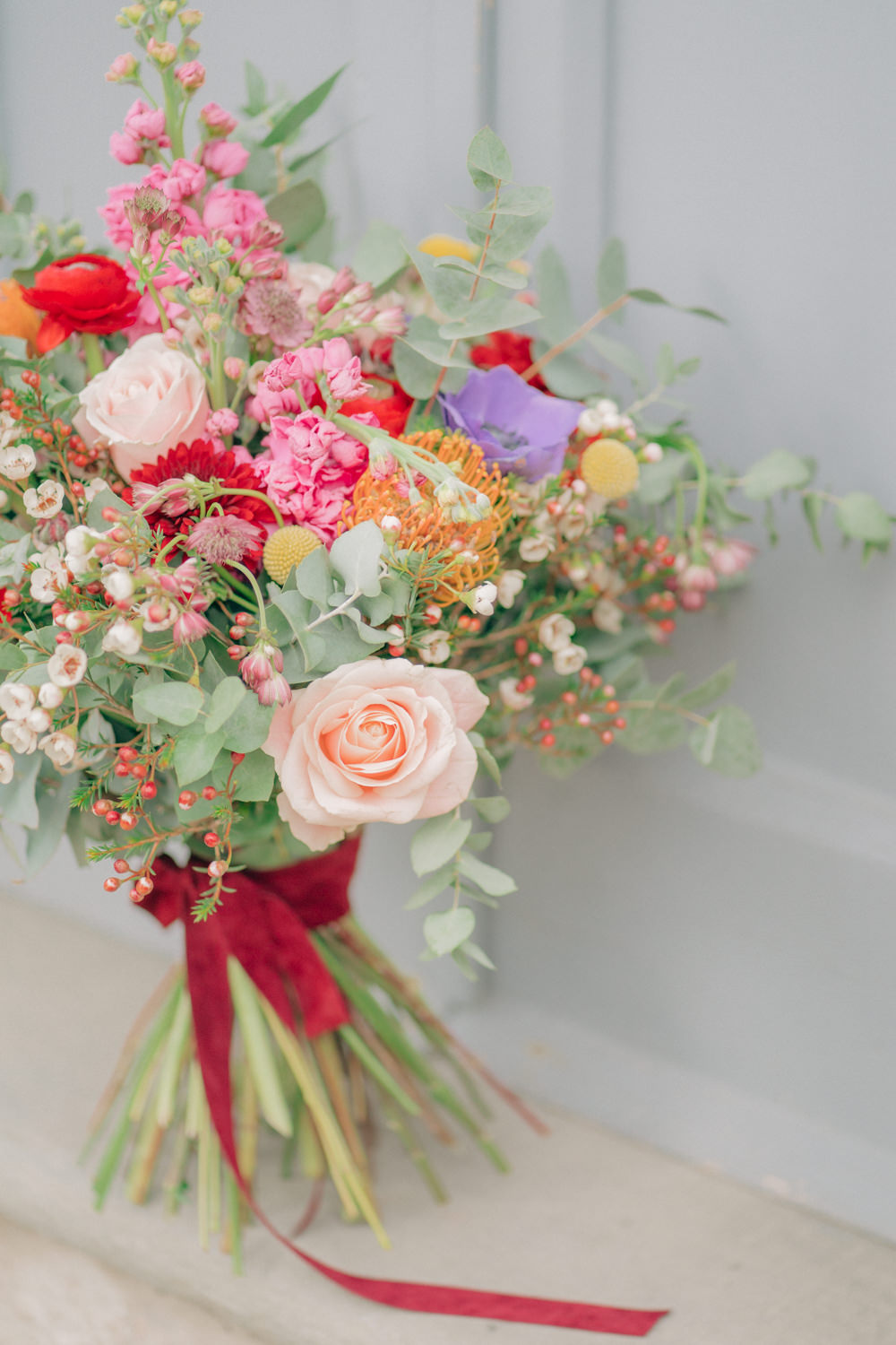 Bouquet Flowers Bride Bridal Pink Red Rose Ranunculus Ribbon Tuscan Wedding Ideas Giuseppe Giovannelli
