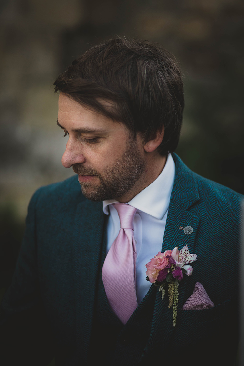 Jervaulx Abbey Wedding Ideas Laura Adams Photography Groom Suit Blue Pink Tie